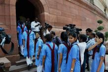 Group of Students Asks CBSE to Allow Them to Modify NEET Application