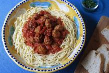 Try This Meatballs Recipe For a Hearty Dinner