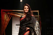 LFW 2017: Preity Zinta Turns The Perfect Muse For Sanjukta Dutta