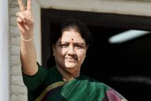 SC Declines Urgent Hearing on PIL to Stop Sasikala from Becoming CM