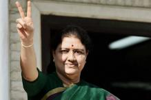 Panneerselvam Makes Way for Sasikala, 'Chinnamma' is New Tamil Nadu CM