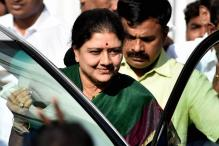 Sasikala Walks Out of Jail on Parole to Meet Ailing, Estranged Husband