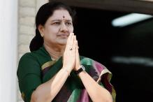 Will Legal Troubles Nip Sasikala's CM Dream? Here's All You Need to Know