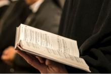 Christian Group Wants Nuns to Hear Confessions of Women