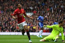 Manchester United Blank Chelsea 2-0 to Ignite Title Race