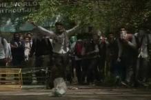 School Students clash With Police in Srinagar