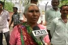 Women, Elderly Brave Scorching Sun to Cast Vote in Delhi Municipal Polls