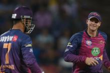 When Steve Smith Rushed to MS Dhoni For Advice