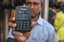 Govt Should Remove Transaction Charges on e-Payments: Traders