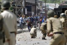 Students Clash With Security Forces in Kashmir's Sopore
