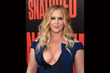 Amy Schumer Invites Guests To Wedding By Text Message