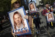'First Steps of Freedom', Tweets Chelsea Manning After Stepping Out of Jail