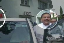 Despite Modi's Lal Batti Ban, Mamata's Minister Refuses to Let Go