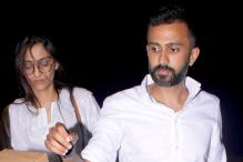 Sonam Kapoor Snapped With Rumoured Boyfriend Anand Ahuja At the Airport