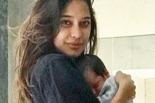 Lisa Haydon Cuddling Her Baby Zack Is Going To Give You Major Cute-Attack!