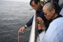 Thousands March in Hong Kong in Memory of Liu Xiaobo