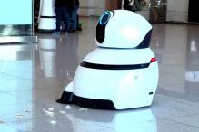 These LG Airport Robots Will Help Keep The Airport Clean, Guide Travellers