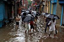 Heavy Rainfall Leaves Two Dead, Many Homeless in Kolkata