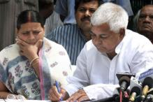 Lalu, Rabri and Son Tejaswi Booked by CBI Over 2006 IRCTC Tender