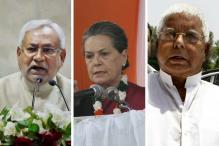 Sonia Tries to End Bihar Crisis, Speaks to Nitish and Lalu