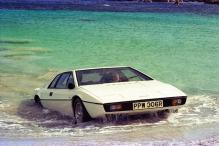James Bond's Submarine Lotus Esprit Marks 40th Anniversary