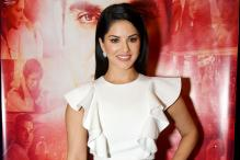 Sunny Leone Flies Back to Canada For a Surprise Visit to Her Cousin