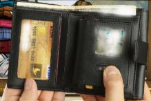 Seeing Mom's Photo, Pickpocket Ships Wallet Back to Owner. Sans Money