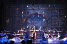 Incredibly Choreographed Dance Sequences Make Feroz's Mughal-E-Azam Work