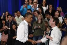 Obama Warned Zuckerberg About Fake News on Facebook Last Year