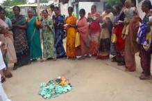 Women Burn KCR's 'Low-Quality' Saree Gift, Say Give it to Your Daughter