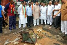 Politicking Over Potholes: BJP Turning up the Heat on 'Helpless' Cong Govt