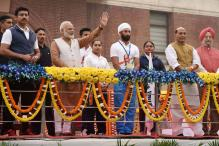 PM Modi Marks Sardar Patel Jayanthi With a Jibe at Congress; Flags off Run for Unity