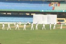 Manoj Tiwary Places Nine Slip Fielders for No. 10 Batsman