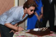 Shah Rukh Khan's Birthday: SRK Celebrating With Media & Fans