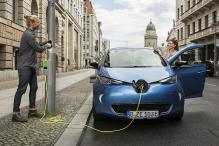 Charging an Electric Car From a Light Post May Soon be a Reality