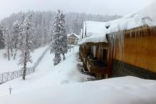 Fresh Snowfall Freezes Leh; Gulmarg Coldest in Kashmir Valley