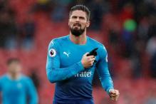 Giroud Gives Wenger Selection Poser for Hammers Clash