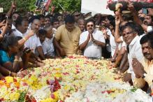 RK Nagar Elects TTV Dinakaran as Jayalalithaa's 'True Successor', Big Blow for EPS-OPS Faction