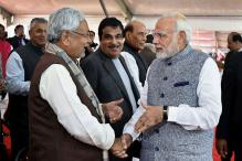 Nitish Kumar Makes it to Rupani's Swearing-in Ceremony in Gujarat, a State He Last Visited in 2003