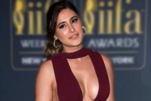 Sexy Necklines: Divas Flaunt Plunging Dress With Elegance