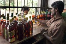 Sri Lanka Lifts 39-year Ban on Women Buying, Selling Alcohol