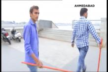 Bajrang Dal Unleashes Fear on Valentine's Day, Chases Away Couples at Ahmedabad's Sabarmati Riverfront