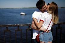 In Photos: Check Out the Passionate Kissers