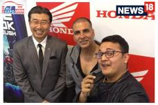 Auto Expo 2018: Akshay Kumar at Auto Expo 2018 on the New Honda X-Blade