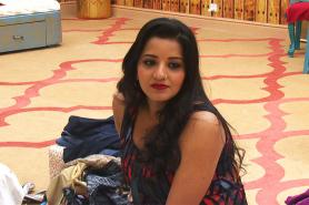 Bigg Boss 10: Mona Lisa's Boyfriend to Enter the House to Propose to Her