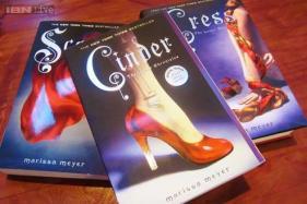 Marissa Meyer's 'Cinder' a retelling of 'Cinderella'