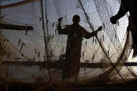 Wives Seek Visa to Visit Fishermen Ailing in Pakistan Jails