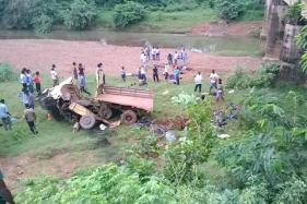 7 Killed, 11 Injured as Vehicle Falls Into Stone Quarry Pit