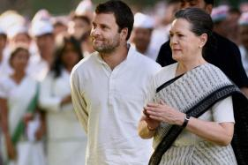 Sonia Gandhi May Finally Hand Over Reins to Rahul Post Diwali