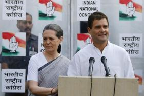 Sonia Among Proposers for Rahul's Candidature for Top Congress Post